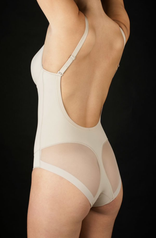 body copa B espalda al aire braga efecto invisible copa de relleno color piel