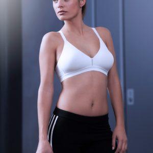sujetador deportivo de algodón sin aros contorno base de goma copas sin costuras color blanco