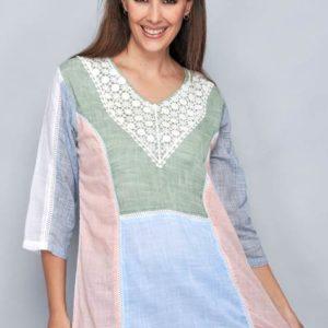 blusa mujer manga francesa en cuatro colores con detalle de guipur en el escote. Escote pico.