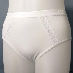 braga algodón muy alta con tiras de encaje en los lados. Cinturilla de goma. Color Blanco