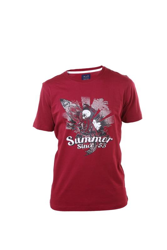 camiseta manga corta chico calavera y legtras. Cuello redondo. Color granate