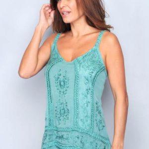 camiseta mujer tirantes con bordados. Mas larga por detrás. Tiras regulables. Color verde