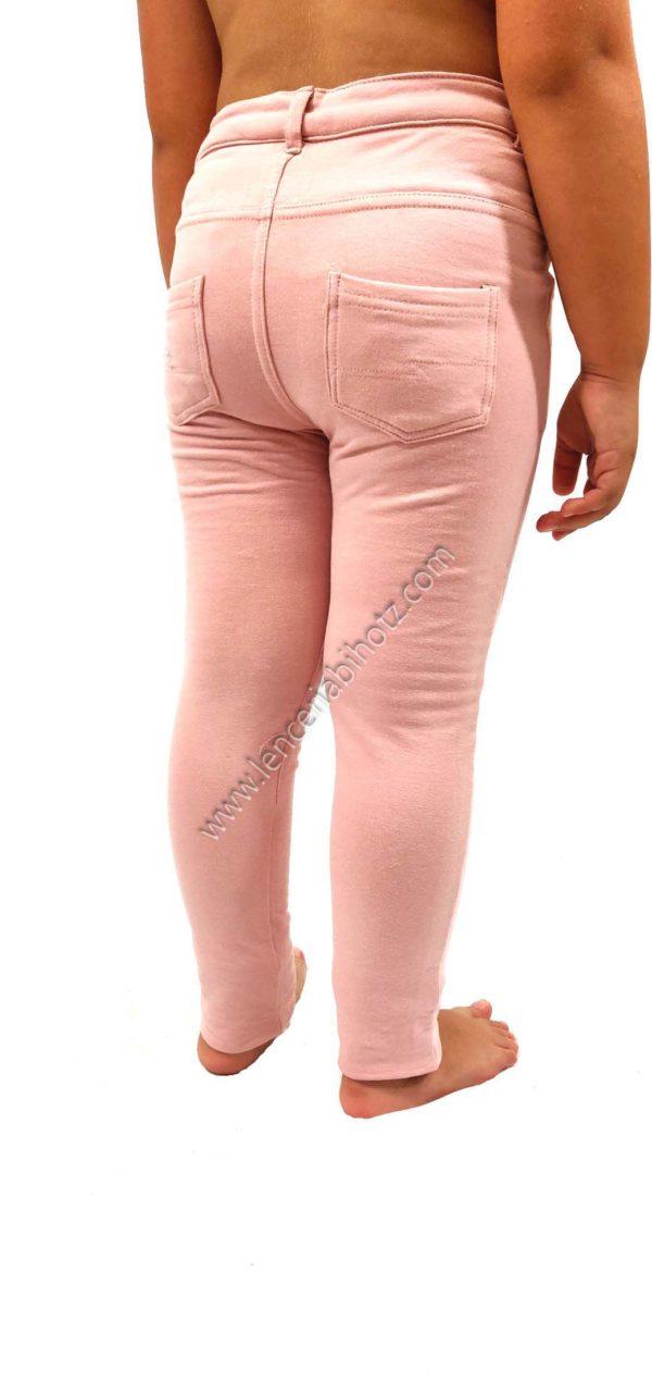 legging de algodon para niña con boton, bolsillos delanteros y traseros. Felpa interior. Color rosa pastel