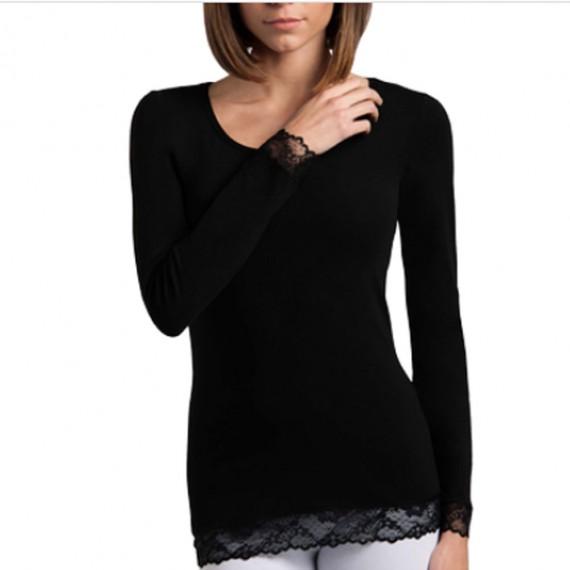 camiseta algodon cuello redondo con puño y base de encaje. Manga larga. Color negro