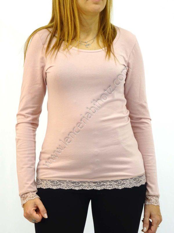 camiseta algodon cuello redondo con puño y base de encaje. Manga larga. Color rosa palo