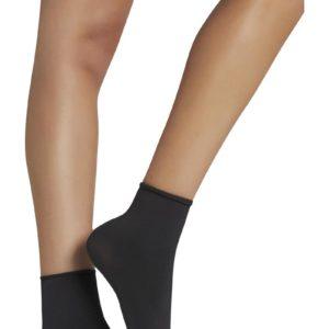 media tobillo negra sin puño gruesa.