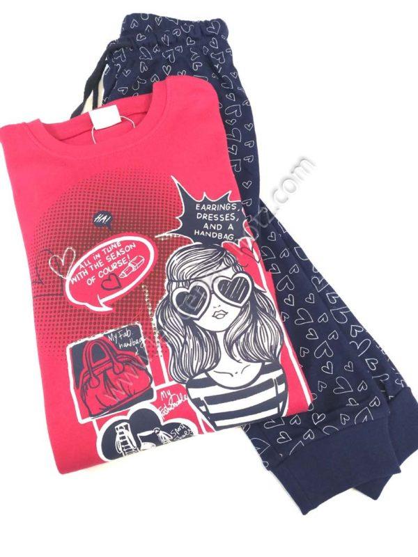 pijama niña con camiseta fuxia con dibujo grande. Pantalon marino con puño estampado de corazones
