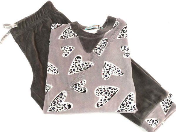 pijama niña terciopelo Pantalon con puño a juego con la camiseta. Estampado corazones en fondo gris