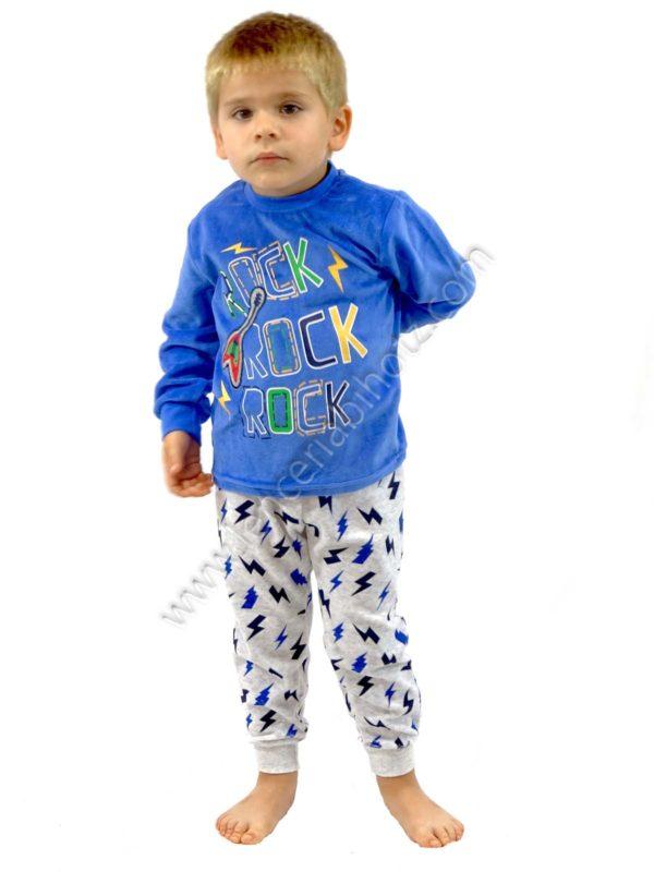 pijama de niño de manga larga ambientado en la musica. Pantalon de rayos estampado. Camiseta con guitarra y las letras rock and roll