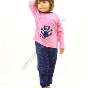 pijama niña terciopelo manga larga. Camiseta rosa con gato y pantalon de motas