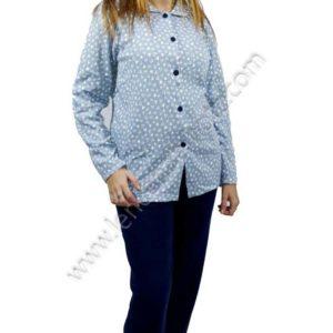 pijama abierto de chaqueta con botones y cuellos. Pantalon liso y chaqueta estampada de corazones en azul
