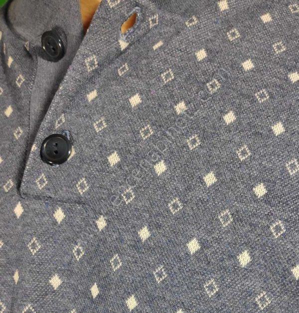 pijama hombre azul con puños en el pantalon y mangas y botones en el cuello.