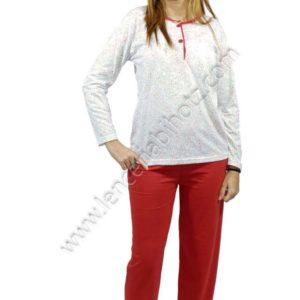 pijama de mujer fino con pantalon fino liso en color rojo. Camiseta estampado de flores con toques rojos y botones