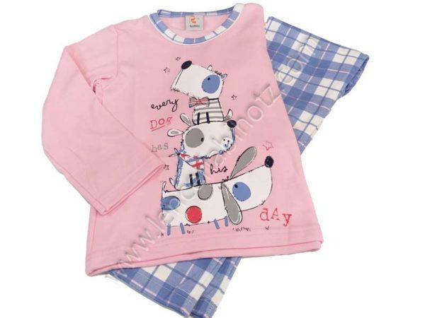 pijama niña rosa y pantalon de cuadros azul. Camiseta con estampado de perritos, y remate en el cuello a juego con el pantalon