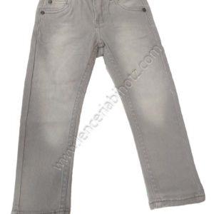 Pantalon de loneta gris desgastado.