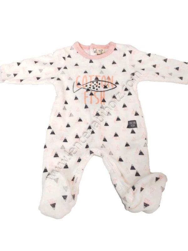 pijama bebe de terciopelo blanco con estampado y cuello en rosa. Abertura trasera y en las piernasr