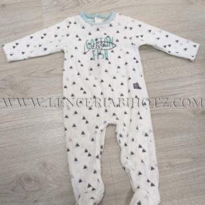 pijama bebe niño fondo blanco estampado cuellos en aguamarina. Abertura trasera . Terciopelo