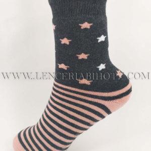calcetin niña antideslizante gris con tonos rosas, rayas y estrellas