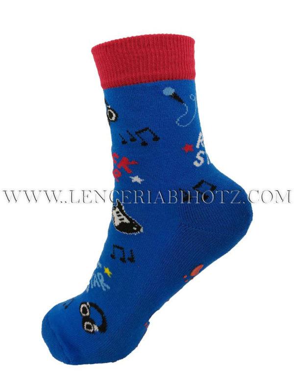 calcetin niño antideslizante con dibujos de guitarras y notas musicales. Color azul oscuro y puño rojo