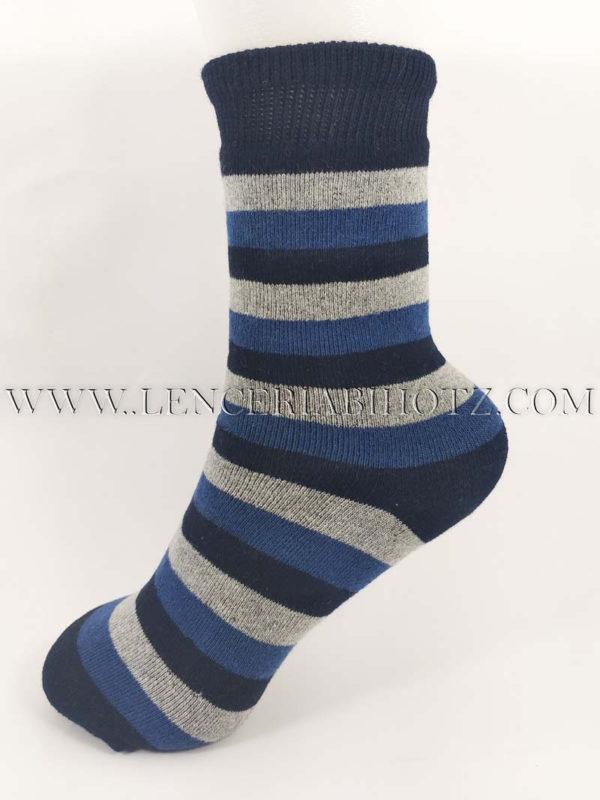 calcetin grueso de niño con rizo. Estampado de rayas en azul marino y gris