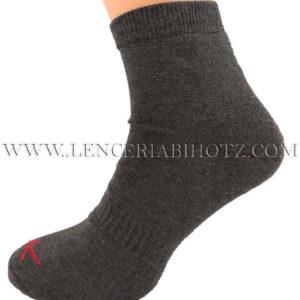 calcetin tobillero alto gris marengo, con suela acolchada