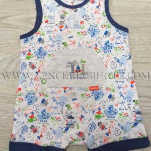pijama bebe de tirantes corto, con remates en azul marino y estampado. Bolsillo en el centro