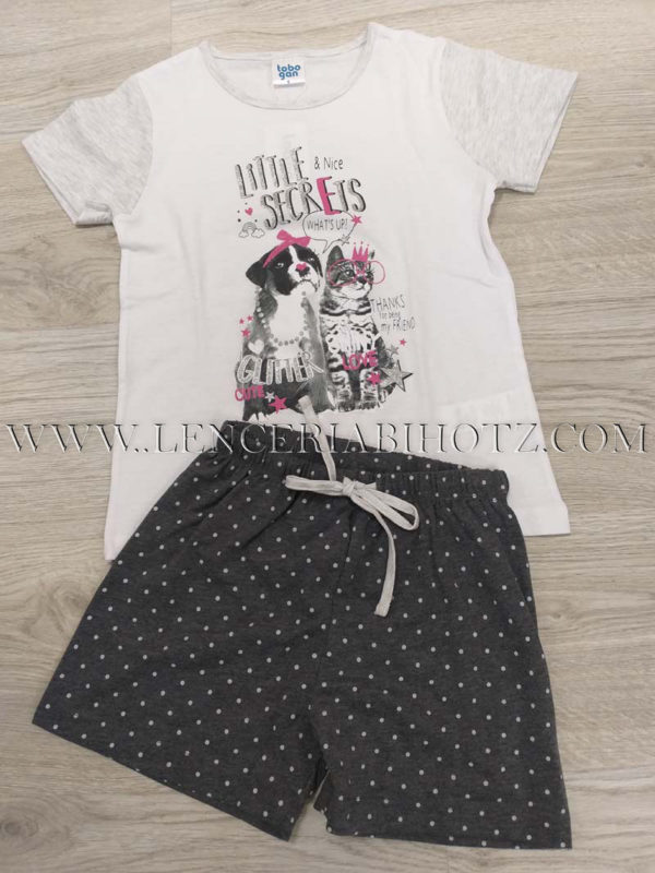 pijama niña manga corta. camiseta blanca con estampado de perritos, y pantalon corto gris marengo con lunares