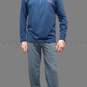 pijama hombre manga larga, con botones y pantalon de cuadros en verde