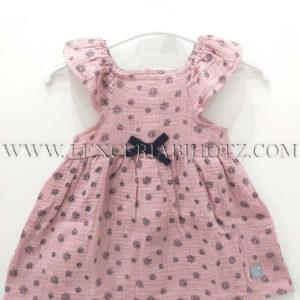 vestido bebe rosa con flores y lazo. Tirantes con volantes, tejido muselina algodon