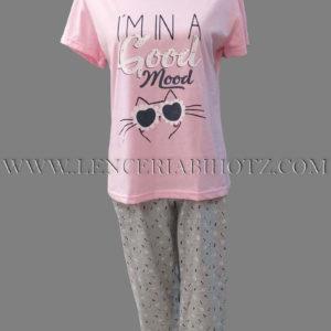 pijama manga corta rosa estampada, pantalon pirata gris estampado