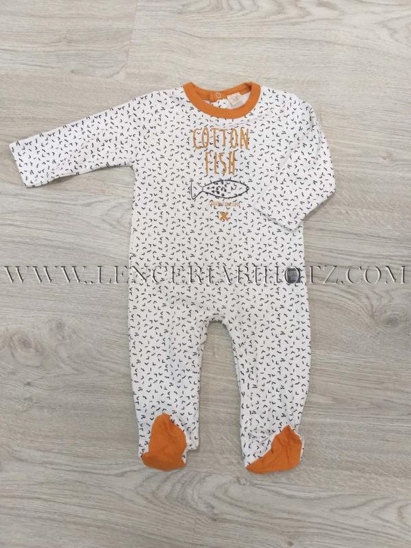 pijama bebe blanco estampado con remates mostaza. Manga larga