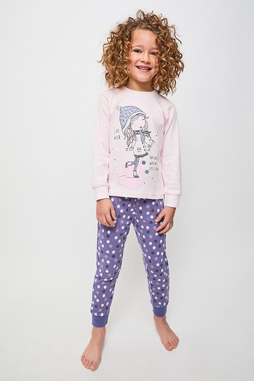 pijama de niña algodon, camiseta rosa pastel con puños en dibujo de patinadora, pantalon morado con lunares con puños