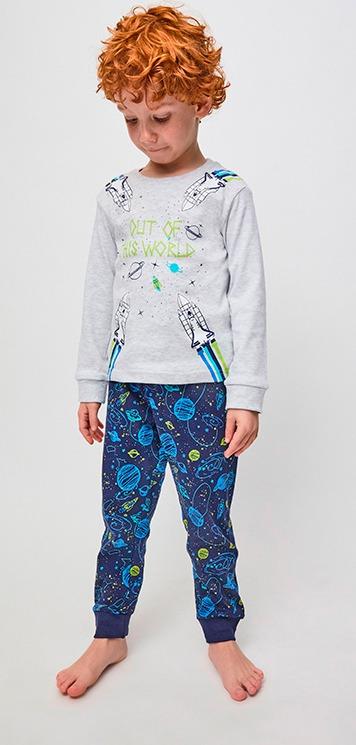 pijama niño manga larga camiseta gris con dibujos cohetes con puños en azul marino. Pantalon con puños azul marino con dibujos del espacio