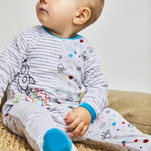 Pijamas y pelele mantas