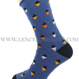 calcetin azulon con puntera y talon en negro. Estampado original de rombos con colores, Sin puño