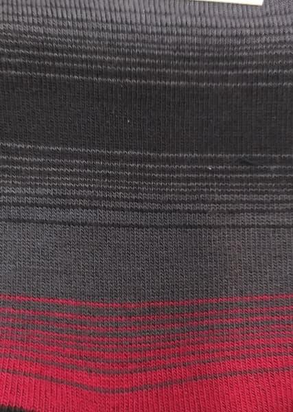 estampado calcetin rayas con rojo