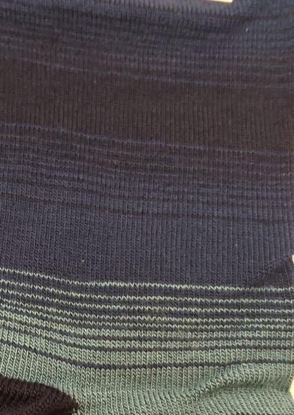 estampado calcetin rayas con verde