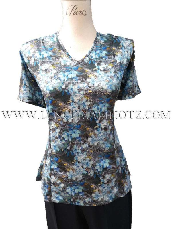 camiseta flores azules estampado, manga corta y cuello en pico