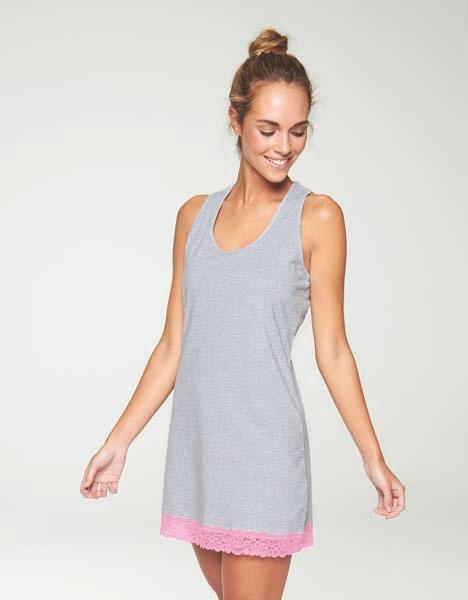 camison gris jaspeado con tirantes anchos, encaje trasero rosa y bajo
