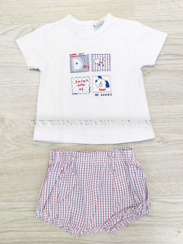 conjunto camiseta manga corta blanca con bordados y corchetes traseros. Bermuda cuadros tela