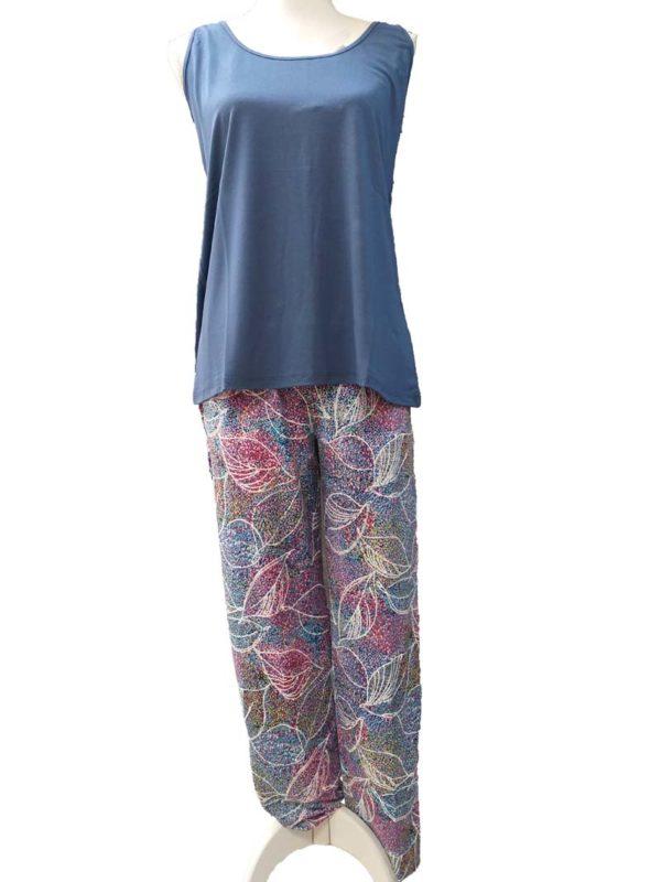 pantalon verano, con estampado multicolor, bordado blanco hojas con goma