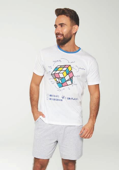 pijama hombre cubo rubik estampado. Manga corta y pantalon corto, Camiseta blanca y pantalon gris
