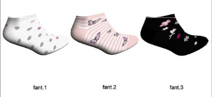 fantasia tobilleros niña con flores en fondo negro, mariposas sobre rayas rosas y motas grises y rosas sobre fondo blanco