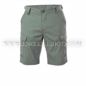 bermuda hombre loneta fina kaki, con cinturilla con presillas, bolsillos laterales, y plastones grandes con corchete
