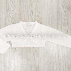 chaqueta torera corta con forma cierre de boton y detalle de roseton