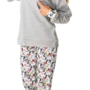 pijama felpa, camiseta gris con puños y ramates a juego con el pantalon, Pantalon estampado ramas sobre fondo blanco