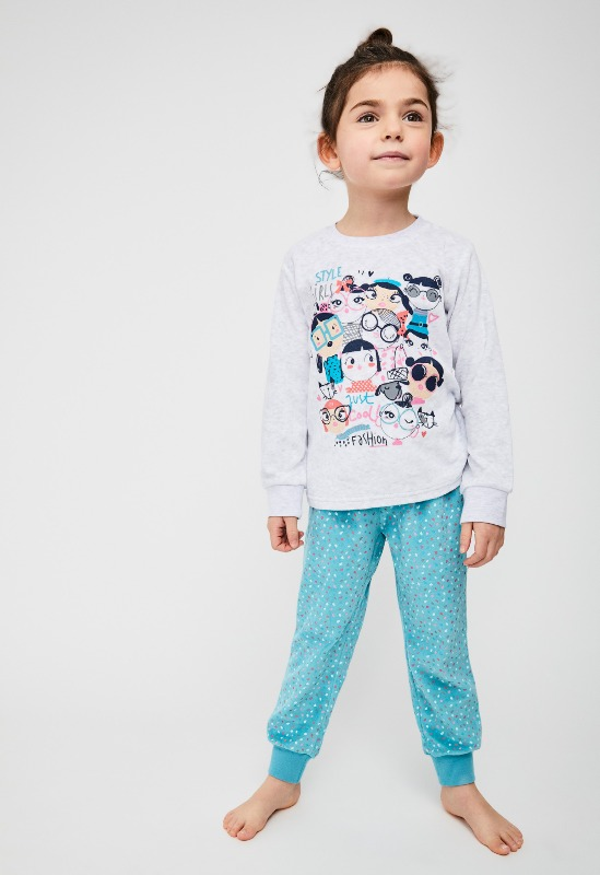 pijama niña terciopelo con puños, camiseta gris estampado alegre, pantalon verde turquesa con motas de colorines