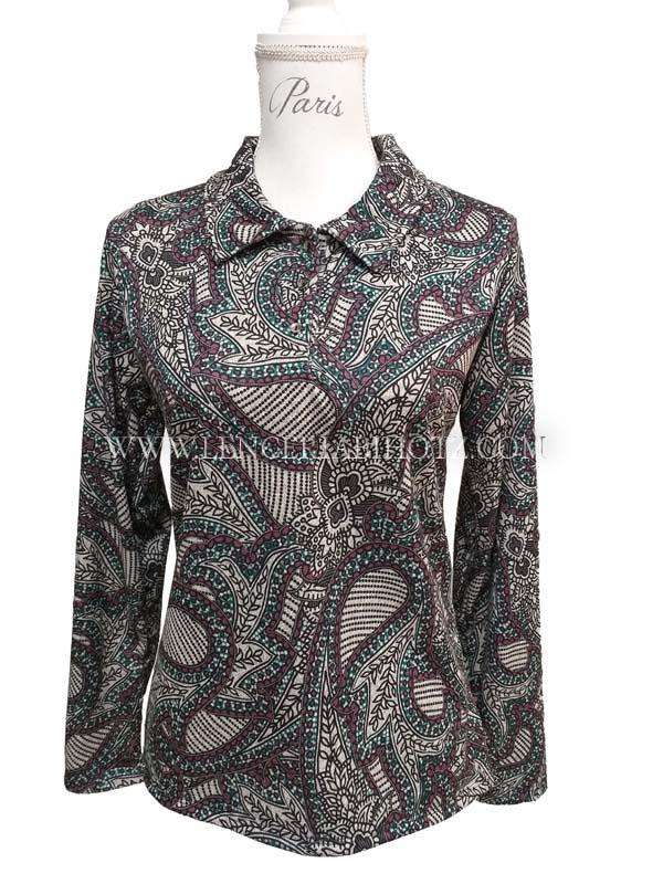 camiseta mujer cuello camisero y botones estampado cashmere. Extra suave