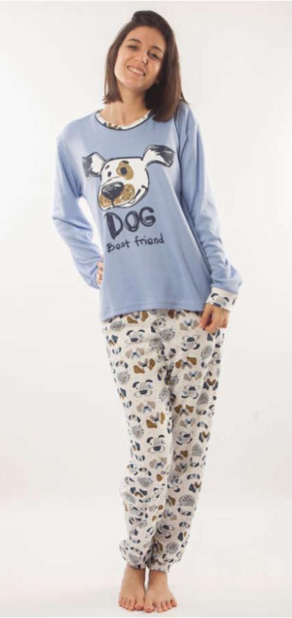 pijama mujer manga larga felpa interior. Camiseta azul con dibujo central perro. Pantalon estampado perros y gatos fondo blanco
