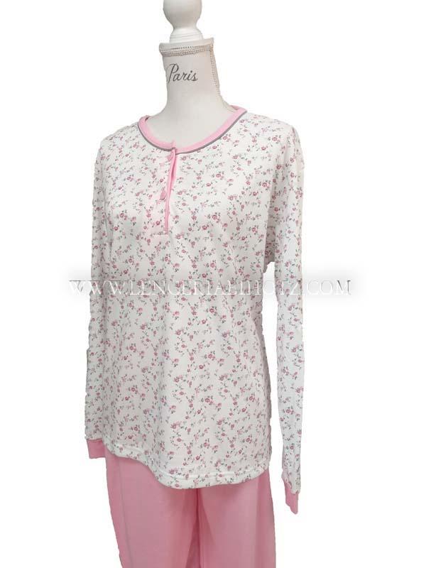 pijama felpa con botones y puños. Camiseta blanca con estampado de rosas, pantalon rosa